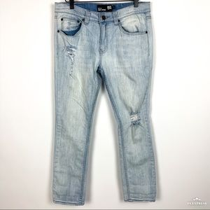 RSQ | Seattle Crop Distressed Lightwash Jeans